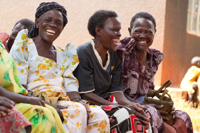 Smiling grandmothers: Uganda - PEFO